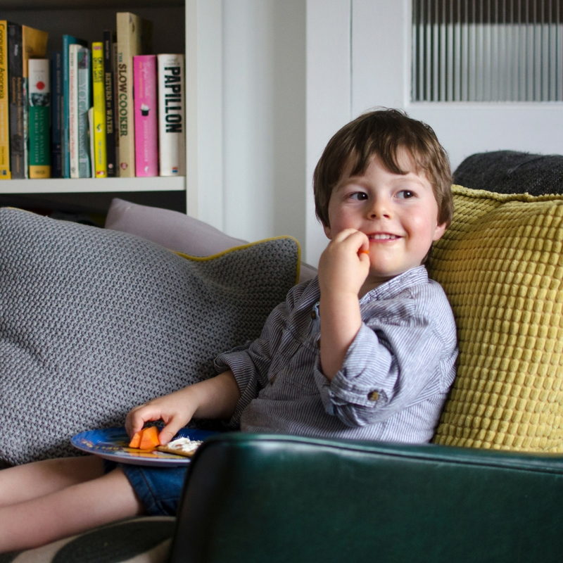 Parenthood documentary lifestyle session swansea 7