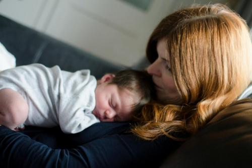 swansea-south-wales-parenthood-newborn-baby-lifestyle-documentary-photographer